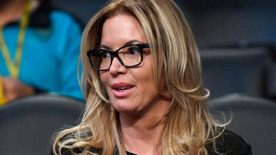 Lakers owner Jeanie Buss shares vile letter she received from racist fan