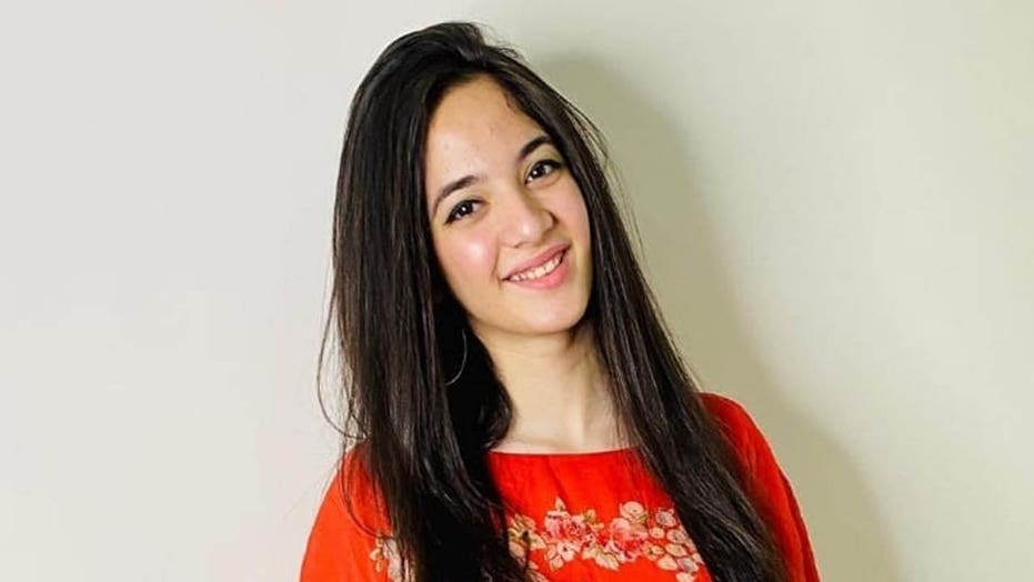 TikTok star Siya Kakkar dead by suicide at 16: reports | Fox News