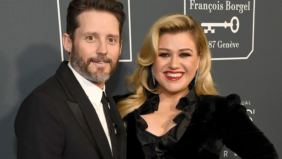 Kelly Clarkson files for divorce from husband Brandon Blackstock ...