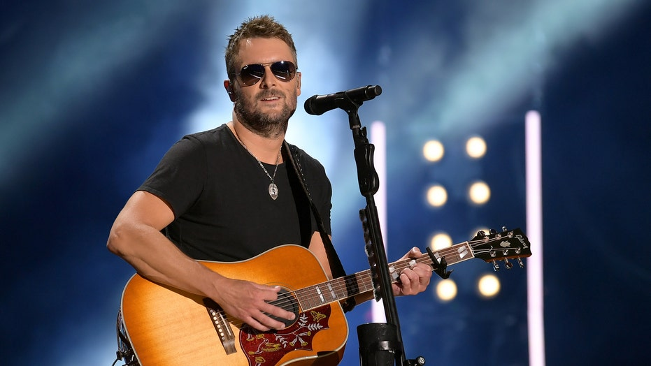 Eric Church grabs attention at 2020 ACMs with 'Stick That in Your Country Song'