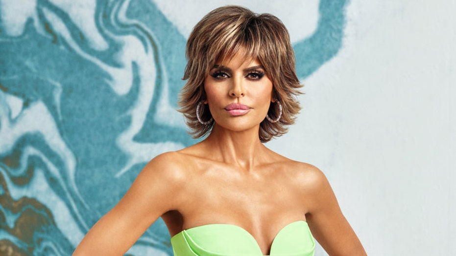 Lisa Rinna, Jenna Dewan encourage fans to vote with bikini photo posts inspired by Zoë Kravitz