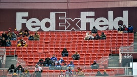FedEx threatens to remove signage from Redskins stadium unless team changes name: report