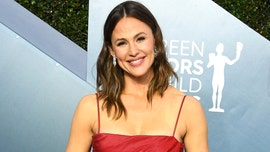 Jennifer Garner fights back tears discussing family's 'year full of transitions'