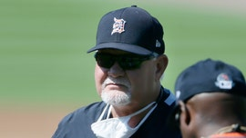 Tigers' Ron Gardenhire admits difficulty wearing mask in heat, may affect communication