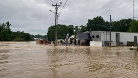 Flash flooding strikes Mississippi, Tennessee as state of emergency declared