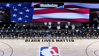 New Orleans Pelicans, Utah Jazz players kneel during national anthem prior to league's restart