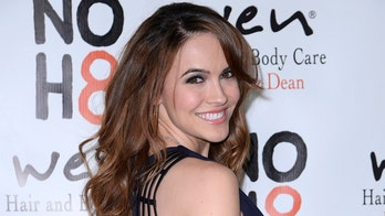 'Selling Sunset' star Chrishell Stause's mother dead after cancer fight