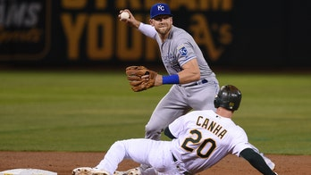 Royals' Hunter Dozier tests positive for coronavirus before exhibition game