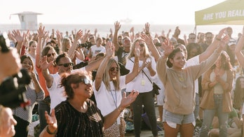 California beach revival attended by 1,000: 'The church has left the building'