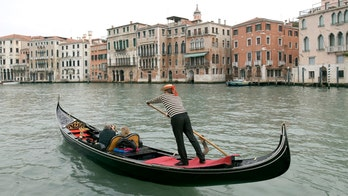 Capacity cut on Venice gondolas due to 'overweight' tourists