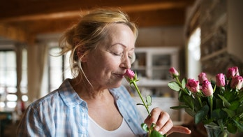 Good sense of smell may indicate lower risk of dementia in older adults: study