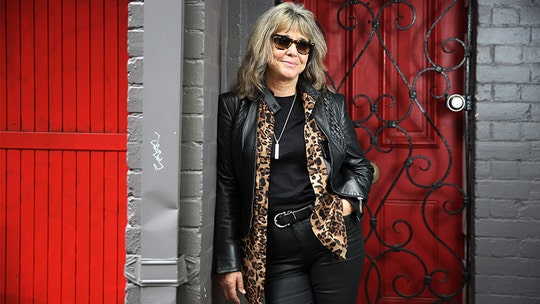 '70s rock pioneer Suzi Quatro says she was never tempted by fame: 'You either go mad or wind up dead'