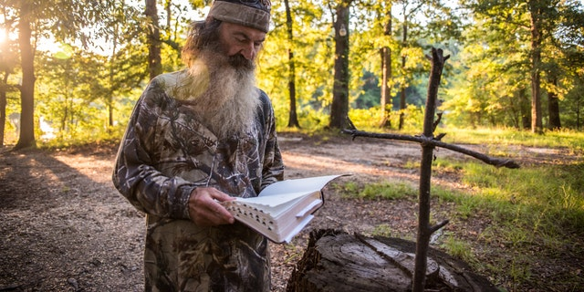 Phil Robertson reading the Bible