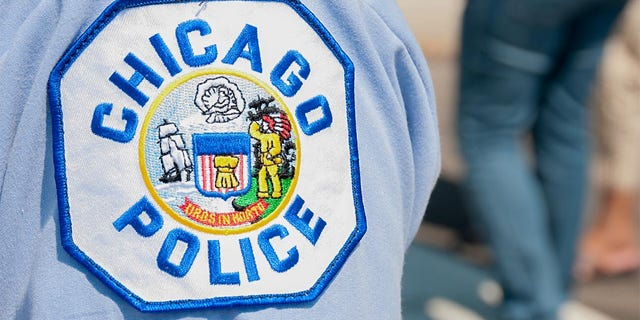 Chicago police patch on the arm of an officer.