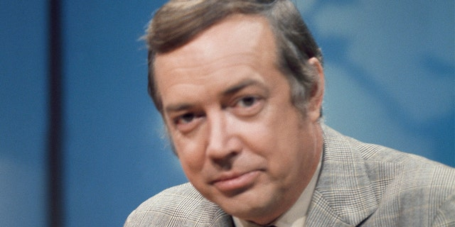 Hugh Downs, a Fixture of American TV, Is Dead