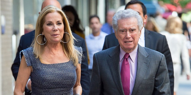 NEW YORK, NY - SEPTEMBER 23: (EXCLUSIVE CONTENT) TV personalities Kathy Lee Gifford (L) and Regis Philbin are seen in Midtown on September 23, 2015 in New York City. (Photo by Michael Stewart/GC Images)