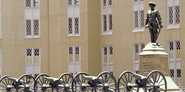 Virginia, Lexington, Stonewall Jackson Statue And Cannons At Virginia Military Institute. (Photo by Education Images/Universal Images Group via Getty Images)