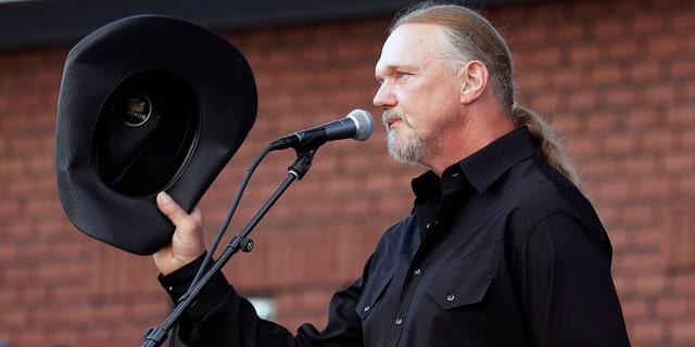 Country rocker Charlie Daniels honored at memorial service