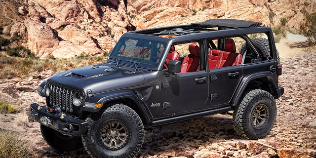 Jeep reveals (336 kW!) V8-powered Wrangler Rubicon 392 Concept