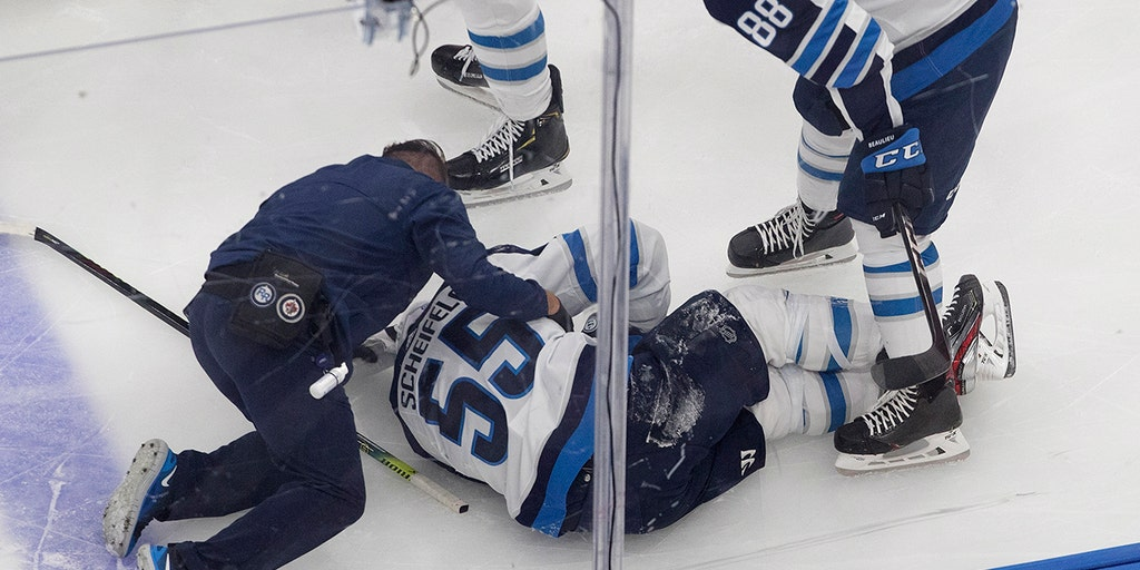 Winnipeg Jets Coach Takes Issue With Hit On Star Mark Scheifele It Was A Filthy Dirty Kick To The Back Of The Leg Fox News