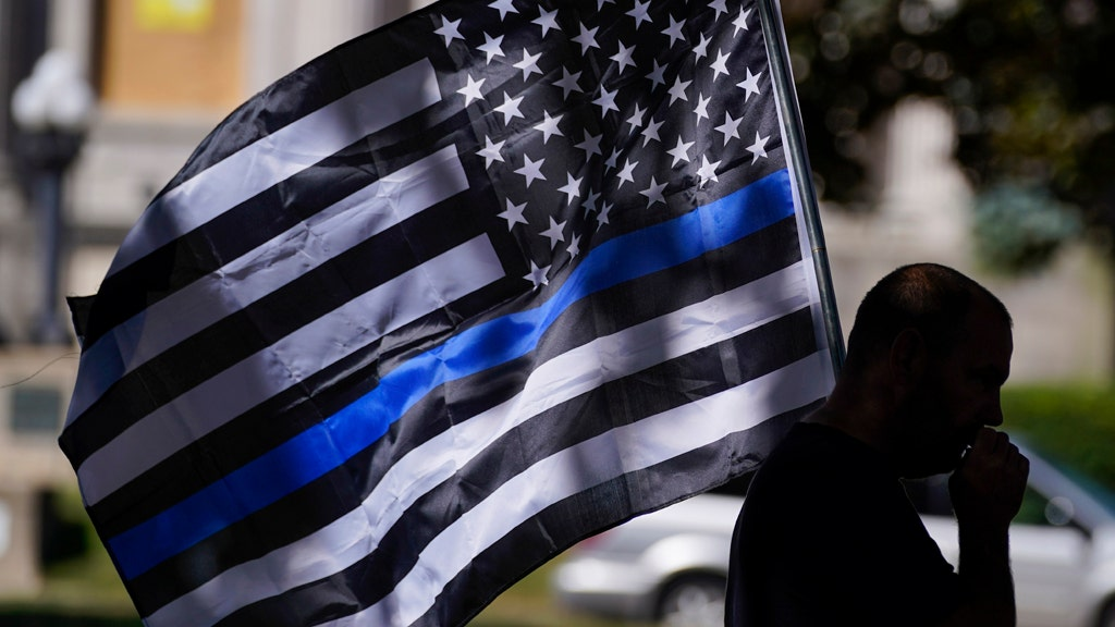 Voters want 'Blue Lives Matter' laws for attacks on cops: poll