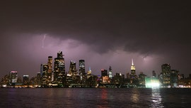 New York City power outage reported in Manhattan