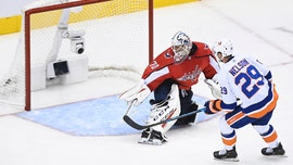 Islanders play Trotz hockey, take 2-0 series lead on Caps