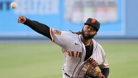 SF Giants' Johnny Cueto's no-hitter spoiled by defensive blunder