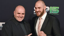 Heavyweight champ Tyson Fury, his dad pulled weeds with volunteers: Video
