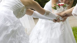Bride's cousin tries to scam free reception by having courthouse wedding on the same day