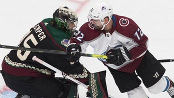 Kuemper stops 49 shots in Coyotes' 4-2 win over Avalanche