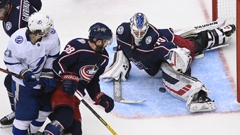 Lightning beat Blue Jackets to take series lead