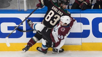 Avalanche overwhelm Coyotes 7-1 to take 3-1 series lead