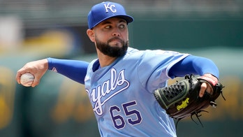 Royals' Jakob Junis kick-starts odd double play in second inning vs. White Sox
