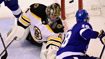 Palat's OT goal lifts Lightning over Bruins 4-3 in Game 2
