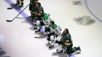 Stars' Tyler Seguin, 3 others kneel during American, Canadian national anthems