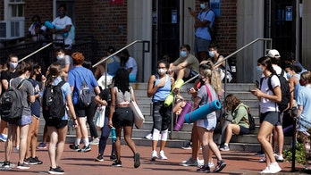 Coronavirus-tracing apps turn to college campuses for 'early adopters'