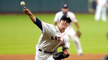 Astros' Zack Greinke calls out pitches to catcher, still gets SF Giants batter out