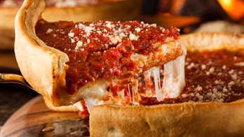 Chicago tourists are so desperate for deep-dish pizza, they are forgoing mandatory quarantine: report