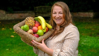 Woman who ate only pasta, cheese and fries says hypnotherapy cured her fear of fruits and vegetables
