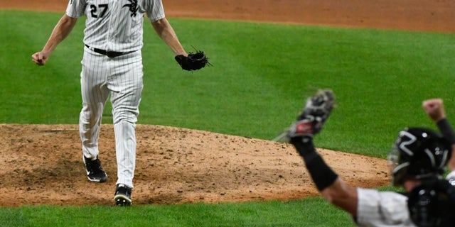 With more than words, White Sox ace Lucas Giolito made history