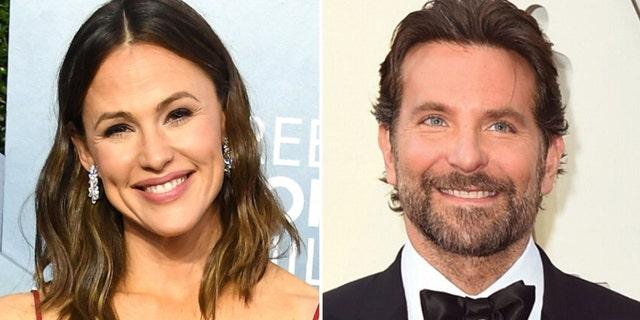 Jennifer Garner (L) and Bradley Cooper (R) were co-stars on 'Alias' together.