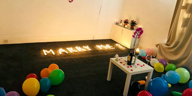 A hopeless romantic accidentally torched his apartment when planning to pop the question to his girlfriend.