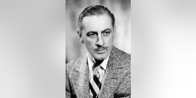 Actor John Barrymore died in May 1942.