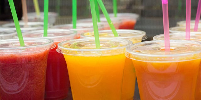 A juice bar in Miami, Florida, received a $2,021 tip on New Year's Day from a loyal customer. (iStock)