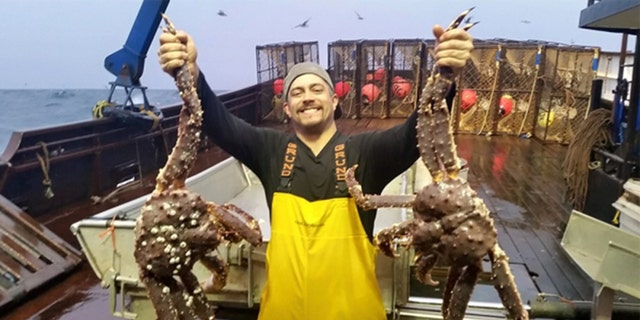 Mahlon Reyes of 'Deadliest Catch' has died at 38 after suffering a heart attack.