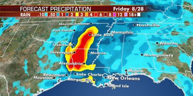 Pronostique las cantidades de precipitación del huracán Laura.
