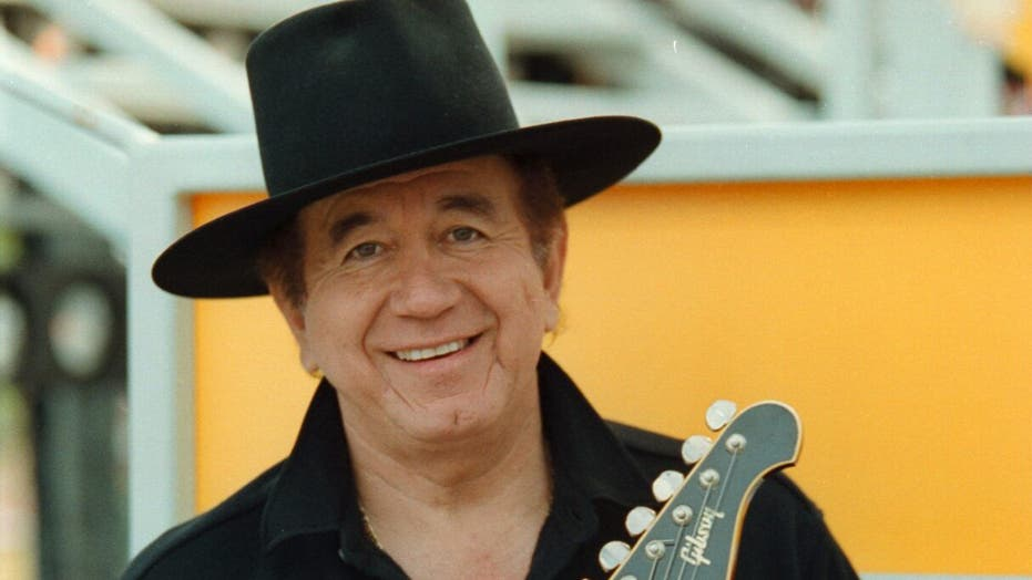 Trini Lopez, singer and 'Dirty Dozen' actor, dead at 83 | Fox News