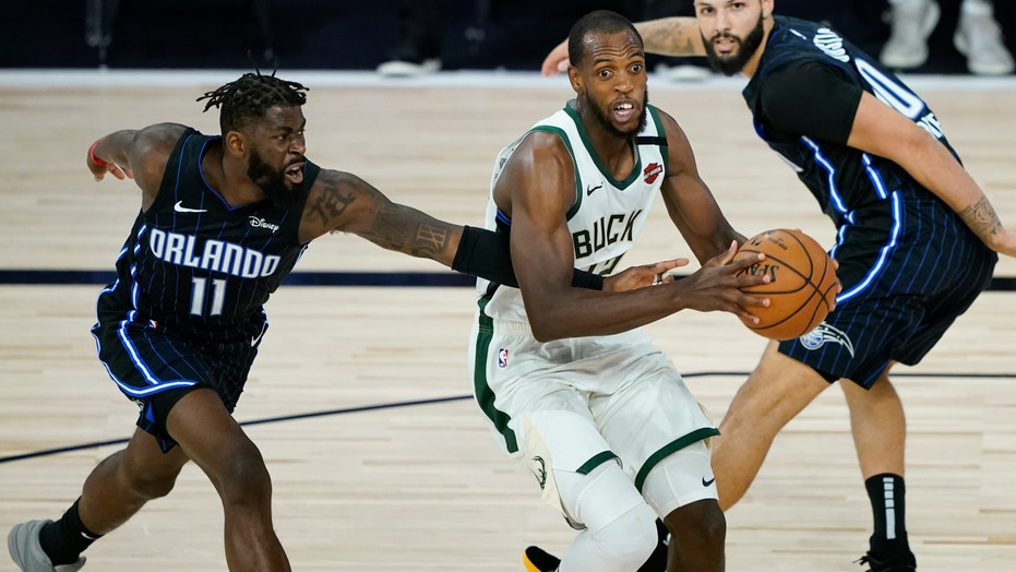 Middleton scores 31 as Bucks trounce Warriors 138-99