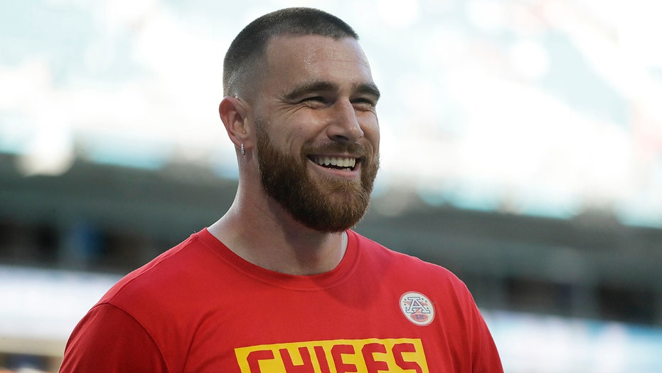 Chiefs' Travis Kelce explains why he changed tune on COVID-19 vaccine: 'I was definitely hesitant'